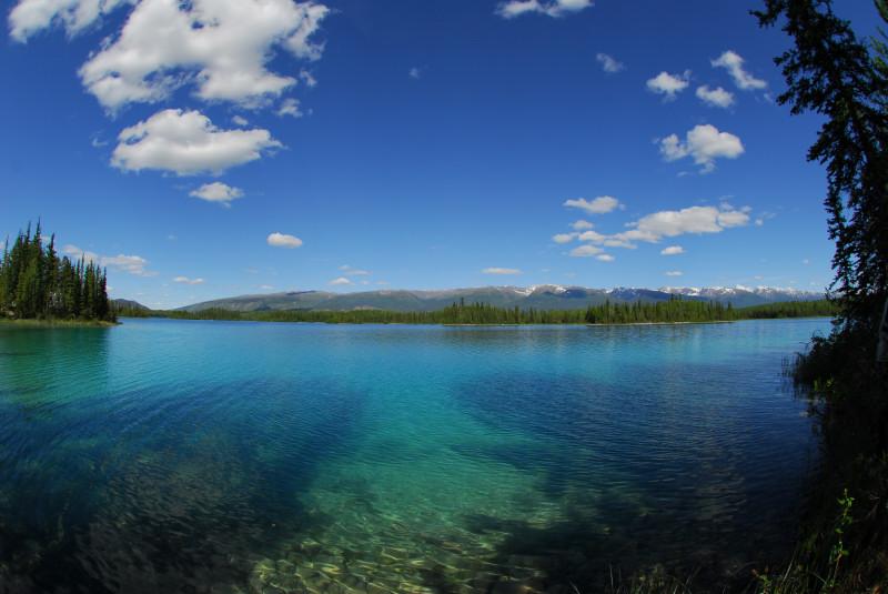 22. der Boya Lake nachmittags
