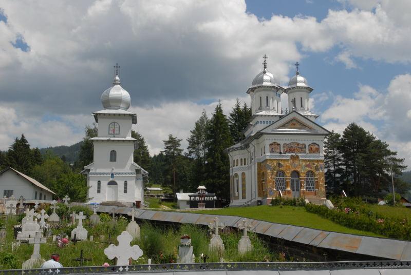 wieder die prachtvollen Dorfkirchen