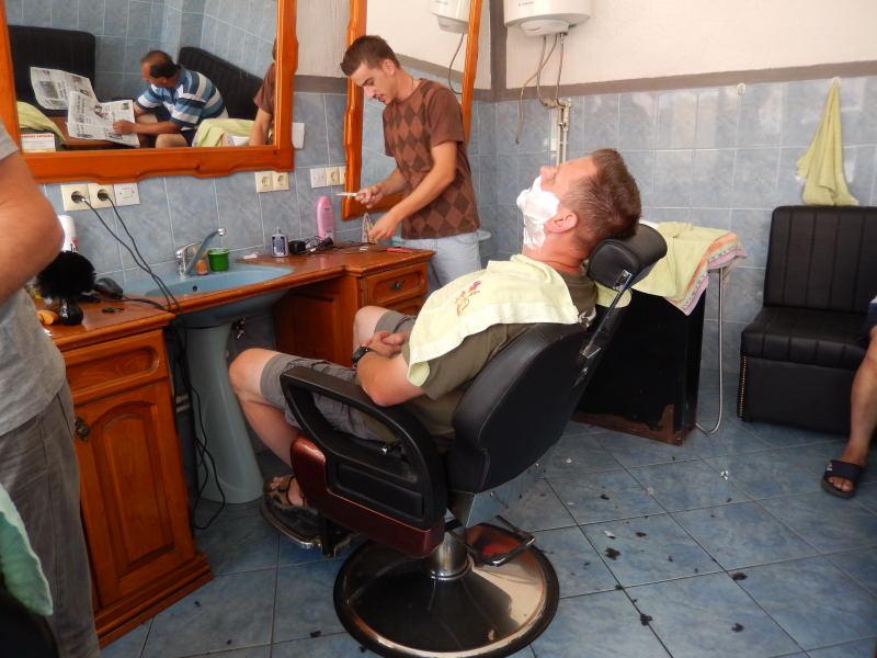 beim Barbier in Montenegro