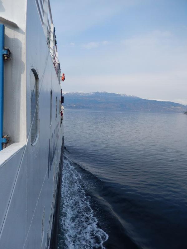 über einen Fjord
