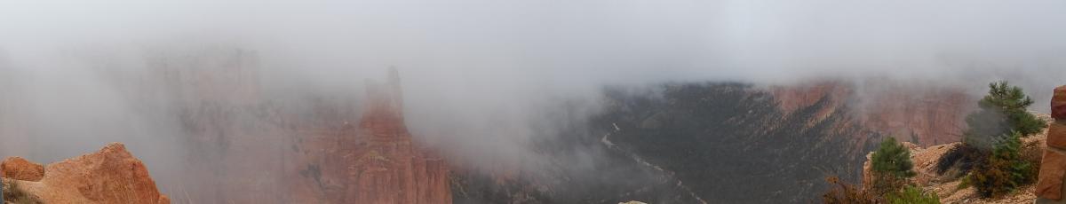 Nebelschwaden im Bryce Canyon