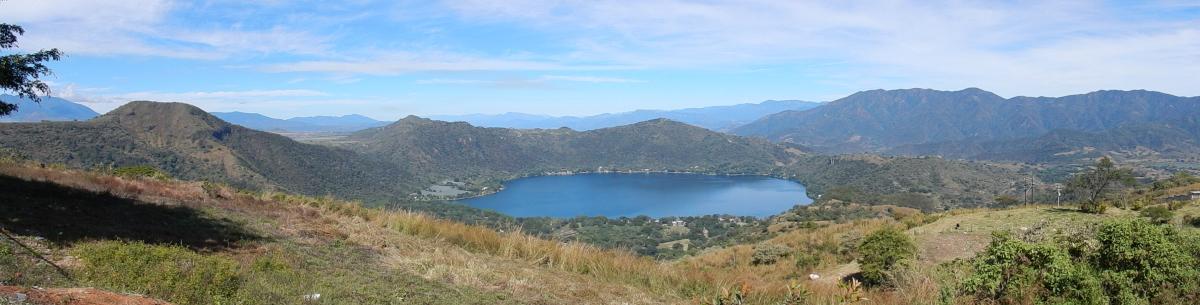 Laguna Santa Maria de Oro