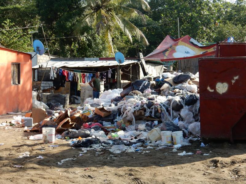 Müllverbrennung vom Dorf