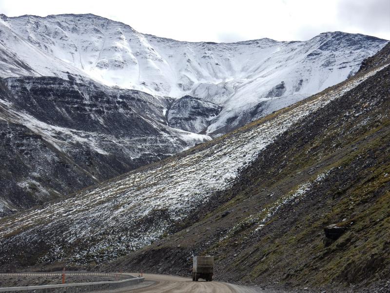 über den Atigun Pass