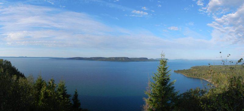 der Lake Superior mit einer Gesamtfläche von 82.103 km²